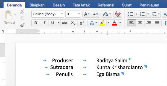 Contoh memperlihatkan teks diratakan dengan hentian tab pada penggaris.