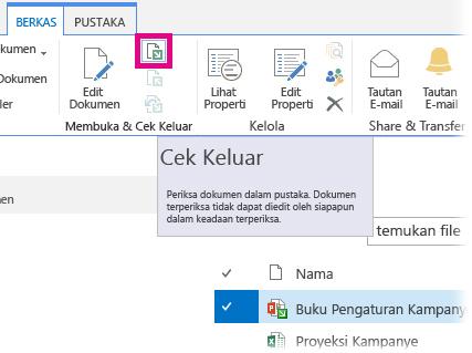 Melakukan check out file