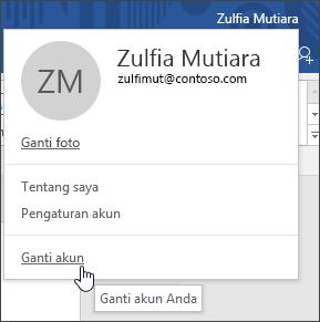 Cuplikan layar memperlihatkan cara beralih akun di aplikasi desktop Office.