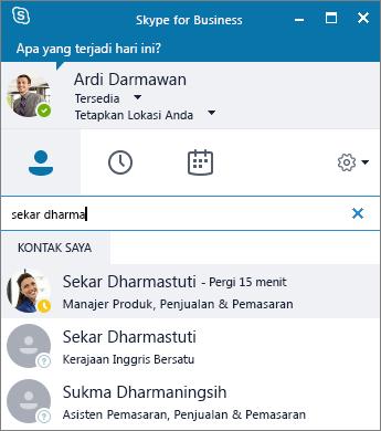 Cuplikan layar jendela Skype for Business saat mencari kontak untuk ditambahkan.