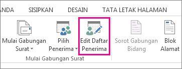 Cuplikan layar tab Surat di Word, memperlihatkan perintah Edit Daftar Penerima yang disorot.