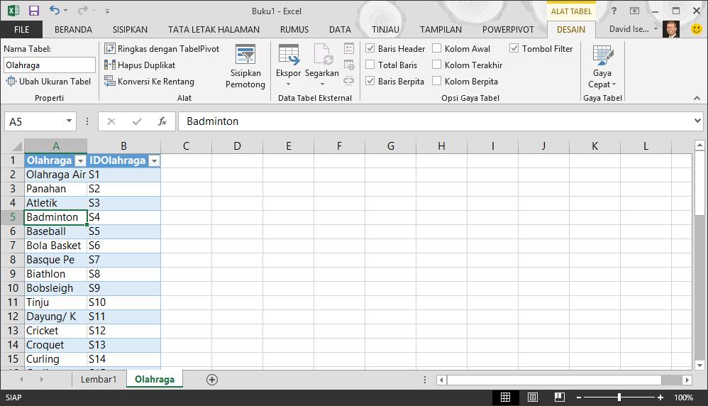 Memberi nama tabel di Excel