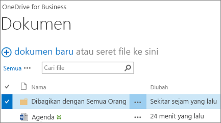 Cuplikan layar folder Dibagikan dengan Semua Orang