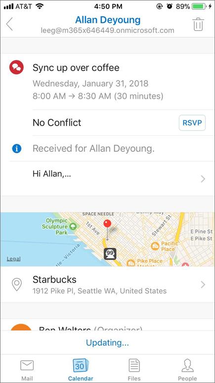 Cuplikan layar memperlihatkan layar perangkat seluler dengan item undangan kalender.
