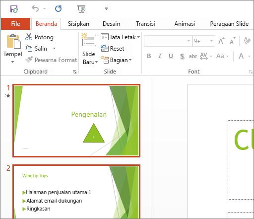 Memperlihatkan PowerPoint 2016 dengan Tema Putih diterapkan.