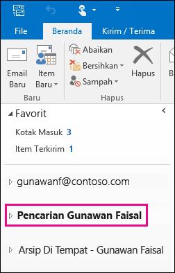File PST muncul pada bilah navigasi kiri di Outlook