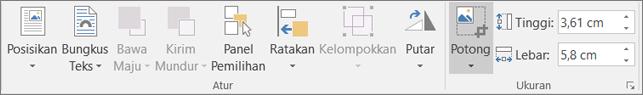Pada Format tab, klik potong.