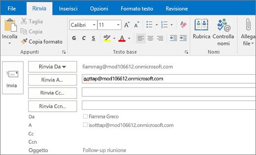 Lo screenshot mostra l'opzione Rinvia per un messaggio di posta elettronica. Nel campo Rinvia a l'indirizzo del destinatario è stato fornito dalla caratteristica Completamento automatico.