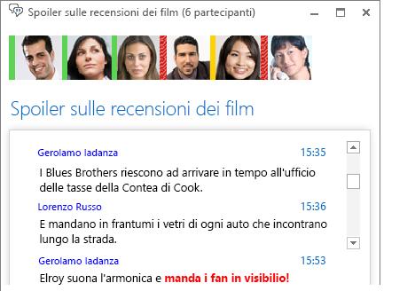 Schermata della finestra di una chat room con un nuovo post per il quale è stato cambiato il carattere in grassetto rosso ed è stata aggiunta un'emoticon