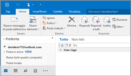 Immagine che mostra l'aspetto di un account di Outlook.com in Outlook 2016.
