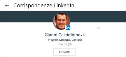 Scheda profilo che mostra la foto e la posizione di LinkedIn e il pulsante connetti.