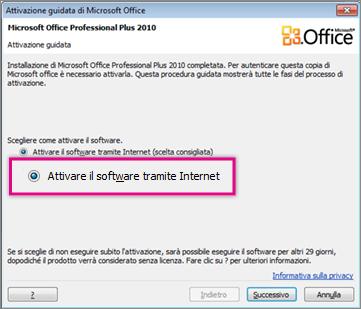 Attivare il software tramite Internet