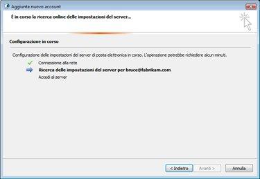 Finestra di dialogo Aggiungi nuovo account in cui è indicato che è in corso la configurazione delle impostazioni del server di posta elettronica