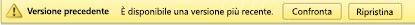 Intestazione gialla nella parte superiore di un file in cui sono disponibili due pulsanti che consentono di confrontare la versione con quella corrente oppure di ripristinare la versione visualizzata come versione corrente