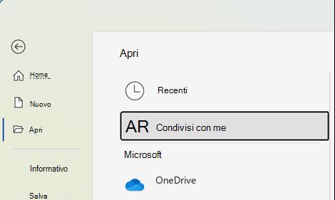 Per vedere l'elenco di file condivisi da altri, scegliere File > Apri > Condivisi con l'utente corrente