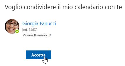 Screenshot del pulsante Accetta in una notifica di posta elettronica Calendario condiviso.