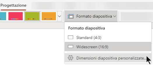 Le opzioni per le dimensioni delle diapositive sono disponibili sulla destra della scheda Progettazione sulla barra multifunzione in PowerPoint Online