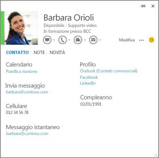 Esempio di una scheda contatto che è possibile aprire facendo clic sulla foto dell'autore di un commento in Word.