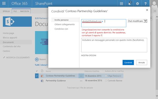 Se l'utente tenta di condividere un documento con un indirizzo di posta elettronica con restrizioni, viene visualizzato questo errore.
