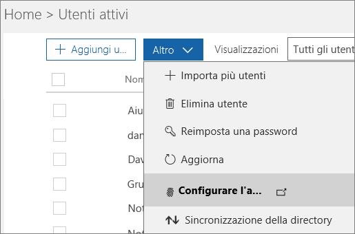 Il menu Altro nella pagina Utenti attivi, con Configura Azure Multi-Factor Authentication selezionato.