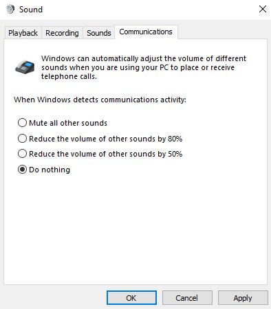 サウンド コントロール パネルの [通信] タブには、PC を使用して通話や会議を行うときの Windows のサウンド処理方法が 4 つ示されます。 [何もしない] が選択されています。