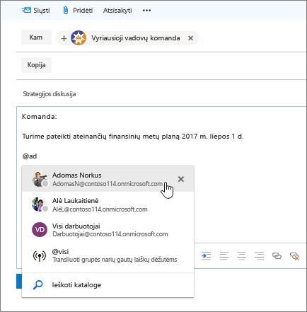 Outlook ekrano naujos elektroninio pašto dialogo langas, kuriame @mention pranešimo tekste.