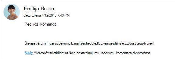 Ekrāna tveršanas: grupas e-pasta rāda, kur kolēģi atbildot uz pirmo komentāru.