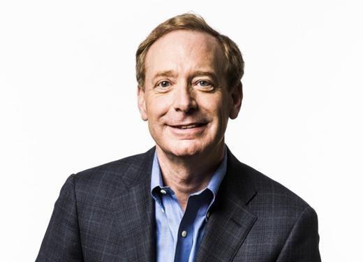 Microsoft prezidents Breds Smits (Brad Smith)