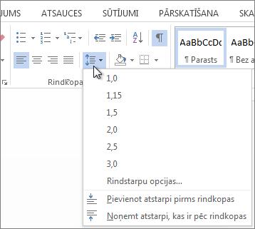 Ekrānuzņēmums ar cilni Sākums programmā Word, kurā redzama izvēlne rindstarpas un rindkopu atstarpes.