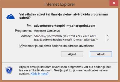 Ekrānuzņēmums ar dialoglodziņu programmā Internet Explorer, kur tiek lūgta atļauja atvērt Microsoft OneDrive