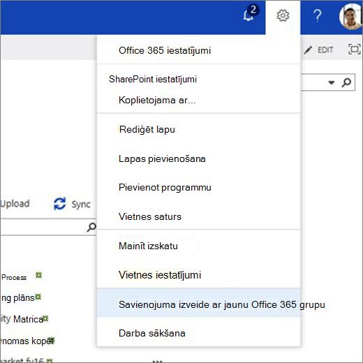 Šajā attēlā ir redzama zobrata ikonu izvēlne un atlasīta opcija izveidot savienojumu ar jauno Office 365 grupu.