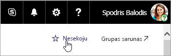 Ekrānuzņēmums, kurā redzama SharePoint vietnes poga sekot.