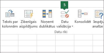 Validējiet nolaižamo sarakstu, noklikšķinot uz Dati > Datu validācija programmā Excel