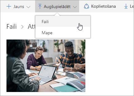 Ekrānuzņēmums, kurā redzams, kā augšupielādēt failus pakalpojumā OneDrive