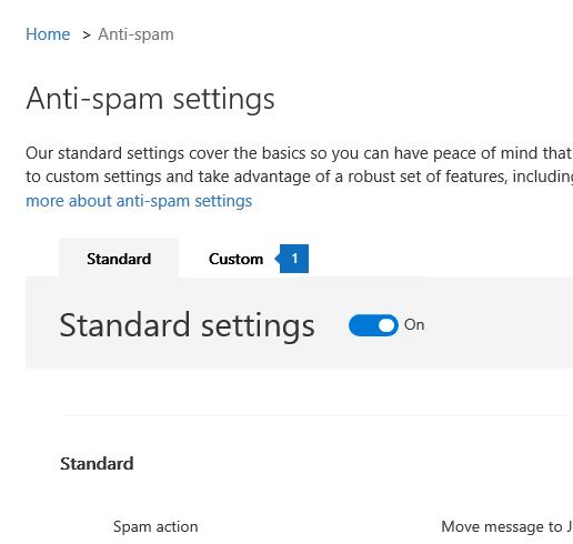 Petikan skrin ini menunjukkan lokasi halaman anti spam dan tab tersuai dalam Pusat pematuhan & Keselamatan.