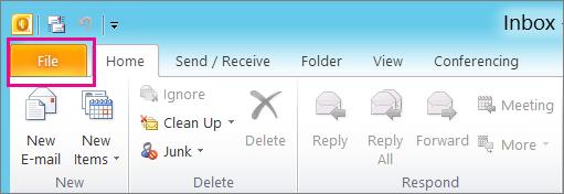 Dalam Outlook 2010, pilih tab fail.