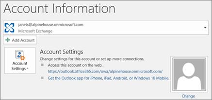 Petikan skrin menunjukkan halaman maklumat akaun Outlook dalam paparan Backstage.