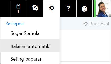 Balasan automatik Outlook pada web