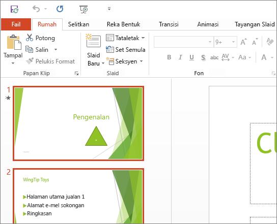 Menunjukkan PowerPoint 2016 dengan Tema Putih digunakan.