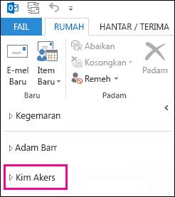 Folder kongsi dipaparkan dalam senarai folder Outlook 2013