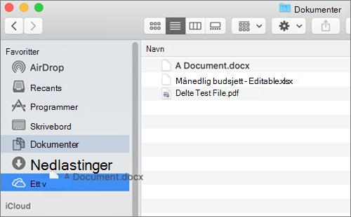 Mac Finder-vindu som viser dra-og-slipp for å flytte filer