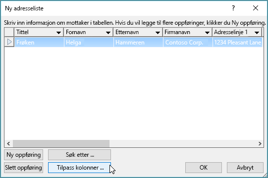 Hvis du vil legge til egendefinerte kolonner i listen over e-post, klikker du på Tilpass kolonner-knappen.