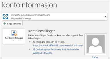 Skjermbilde som viser siden for Outlook-kontoinformasjon i backstage-visningen.