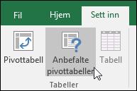 Gå til Sett inn > Anbefalte pivottabeller for å få Excel til å opprette en pivottabell for deg