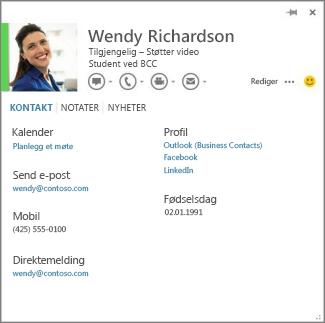 Eksempel på et kontaktkort du kan åpne ved å klikke bildet av en kommentator i Word.