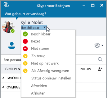 Schermafbeelding van het venster van Skype voor Bedrijven met het menu Status geopend.