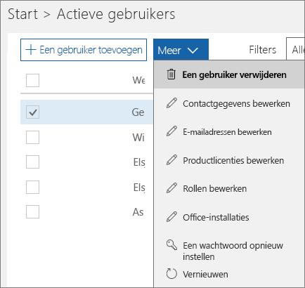 Een gebruiker verwijderen uit het Office 365-beheercentrum.