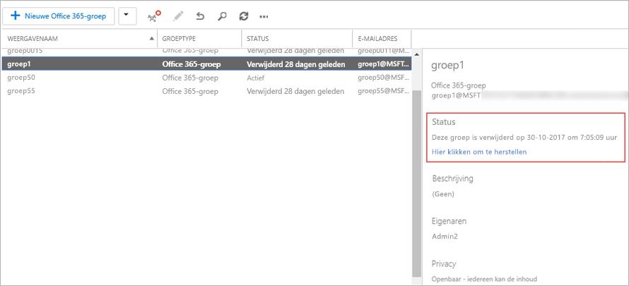 Als u wilt zien wanneer een groep werd verwijderd, kiest u de groep en bekijkt u de gegevens in het rechterdeelvenster.
