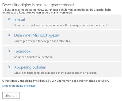 Het dialoogvenster voor een uitnodiging met de status In behandeling met opties voor het opnieuw verzenden van de koppeling via e‑mail, Microsoft Family, Facebook of een aangepaste koppeling, evenals een koppeling om de uitnodiging in te trekken.