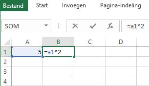 De formule staat in de aangrenzende cel.